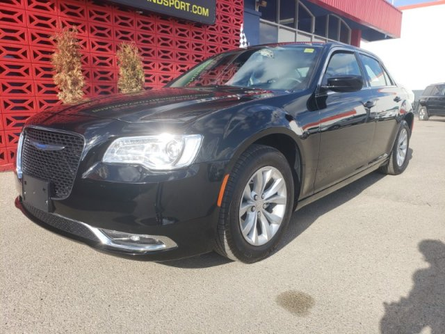 Pre-Owned 2018 Chrysler 300 300 Touring
