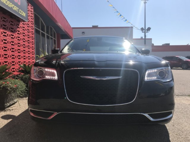 Pre-Owned 2016 Chrysler 300 Touring