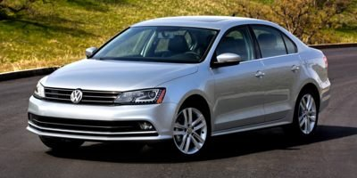 Pre-Owned 2015 Volkswagen Jetta Sedan TRENDLINE +