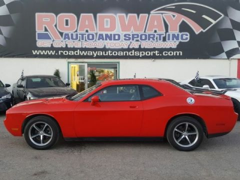 Certified Pre-Owned 2010 Dodge Challenger SE